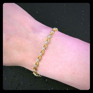 Jewelry - Sparkly Gold Bracelet